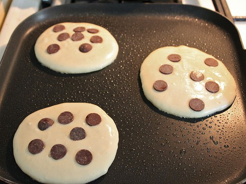 How to Make Gluten-Free Chocolate Chip Cookie Pancakes