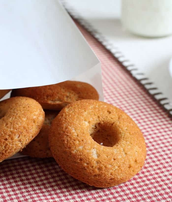 Paleo doughnuts are easy to make! Made with coconut flour, these doughnuts are baked, not fried.